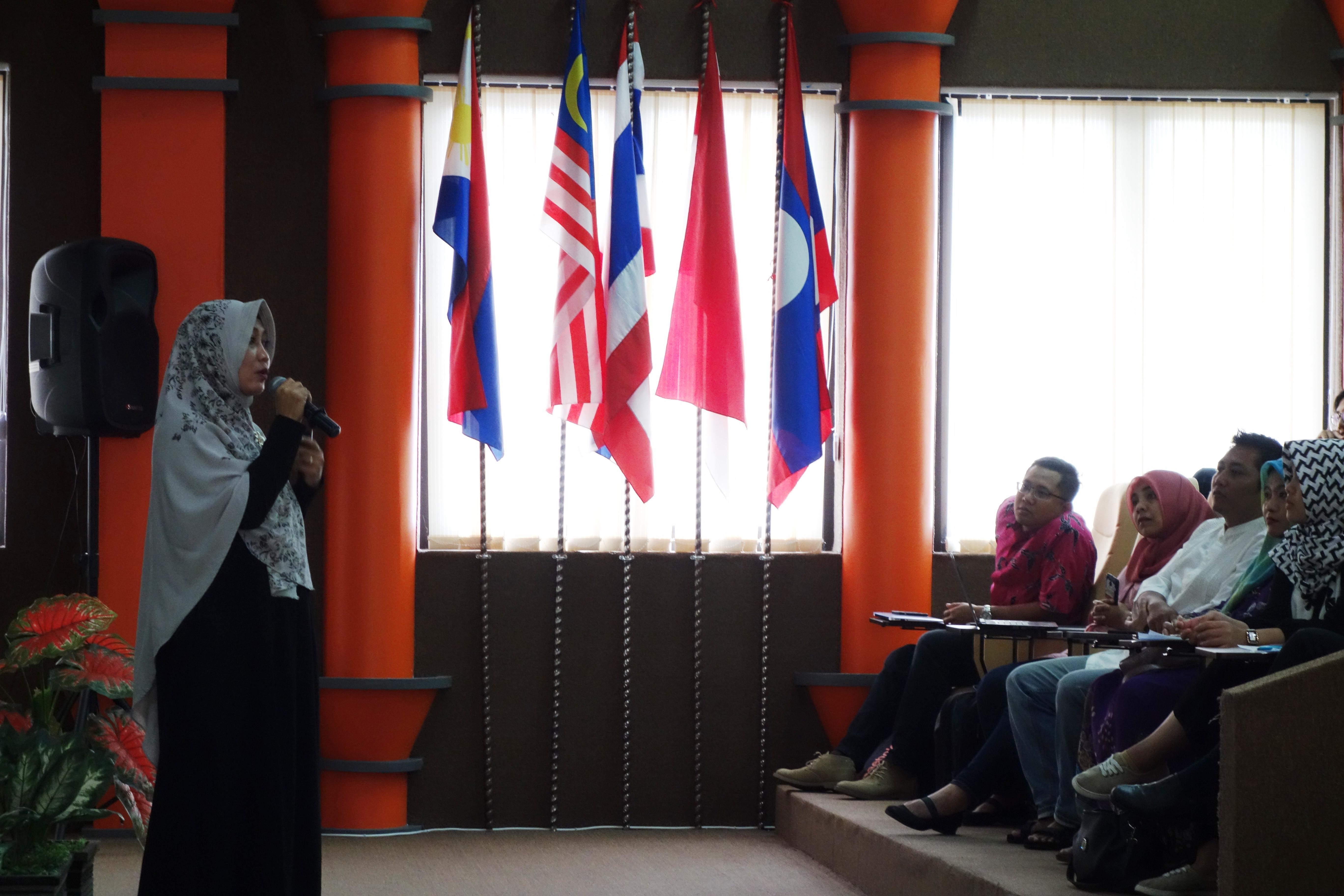 Aida Ajak Mahasiswa Ambil Ibrah dari Tim Perdamaian