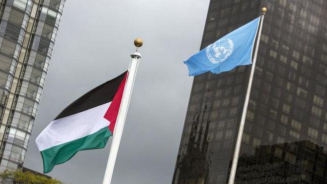 Bendera Palestina untuk pertama kalinya berkibar di markas besar PBB di New York pada Rabu