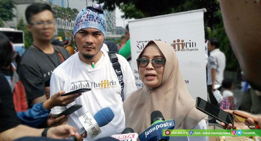 Dwi Siti Rhomdoni (Dwiki, kiri) dan Agus Kurnia (kanan), Penyintas Dalam Kegiatan Peringatan 3 Tahun Bom Thamrin, Minggu, (13/01/2019)